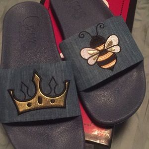 Dark blue Sam Edelmon Flip flops